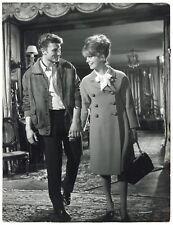 Photo Catherine Deneuve et Johnny Hallyday - Les Parisiennes - 1962 -