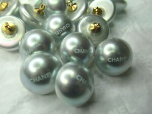 CHANEL 💯 ❤️ 6 BLUE PEARL  BUTTONS 16MM BLUE C H A N E L FRONT, WOW💯 ❤️ LOT SIX