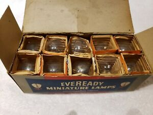 Vintage Box of 10 Car Auto Light Bulbs Lamps GE 2331 & Tung-Sol 50-32 6-8v T2531