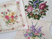 3 Housses de coussin brodé main bouquet de fleurs Réf 12639