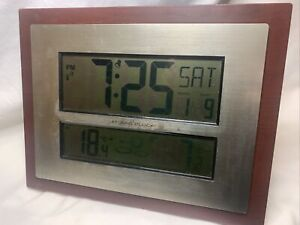 W86111 La Crosse Technology Jumbo Atomic Digital Clock Large Display Wood Frame