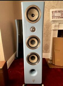 FOCAL KANTA 2 SPEAKERS WITH BLUE FRONT AND GLOSS BLACK  OTHER THAN GLASS TOP