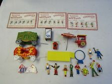 O GAUGE CIRCUS WAGONS, PEOPLE, STAGE, BOOTHS  VARIOUS FIGURES