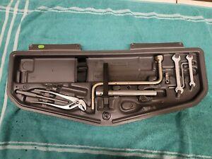 1997 2003 BMW 540i REAR TOOL KIT SHELF TRAY BOX FACTORY