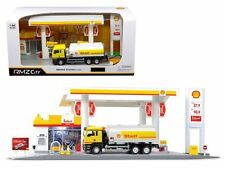 RMZ CITY 1/64 DIORAMA SHELL SERVICE STATION WITH TANKER PLAYSET 24444