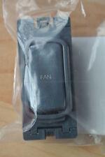 """LEGRAND sinergia 7355 20 FN griglia modulo 20AX Interruttore DP contrassegnati """"FAN"""" NERO"""