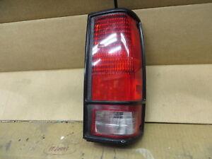 CHEVY GMC TYPHOON 92 93 BLAZER JIMMY S10 S15 85-94 TAIL LIGHT PASSENGER