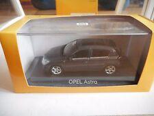 Minichamps Opel Astra 2004 in Grey on 1:43 in Box