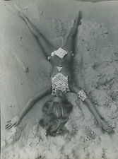 PHOTO VINTAGE : Jean Clemmer NUES Paco Rabanne 1969 sexy - tirage argentique 01