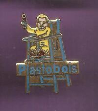 Pin's pin BEBE CHAISE EN BOIS PLASTOBOIS (ref CL12)