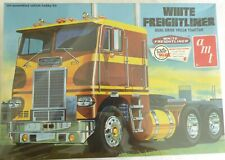 Amt White Freightliner Dual Drive Tractor Model Kit 1/25 Scale Sealed in box