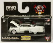 M2 Machines 1:64 AUTO-THENTICS RELEASE 41 1953 OLDSMOBILE 98 WHITE WITH BROWN