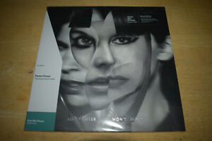 Sleater Kinney - The Center Won't Hold - Vinyl Me Please Red Limited Edition LP