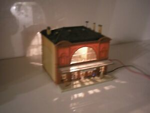 OO HO ART DECO LIBRARY GRAND STATION BUILDING WORKING LIGHTS CANOPY FIGURE LOT 2
