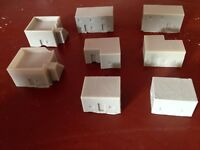 WARGAMES 10MM RESIN DESERT VILLAGE  (8 small desert buildings)