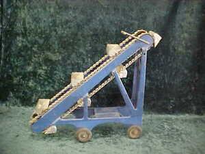 Kingsbury pressed steel toy sand loader antique vintage ~ Good working condition