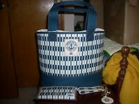 Brand New Spartina 449 DAISEE  DRIFTER TOTE SNAP WALLET AND KEY CHAIN