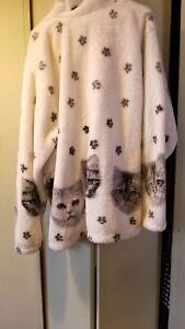 Cat Fleece Jacket used. 3xl