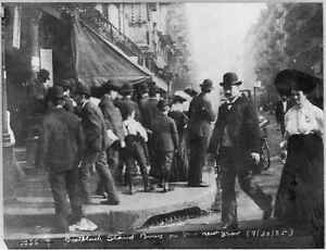 Jewish Life,Bootblack stand,busy on Jewish New Year,September 1905,holiday 5164