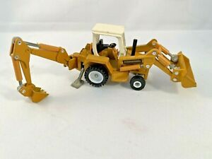 ERTL 1/64 Scale International Harvester Backhoe Loader Mighty Movers Collectible