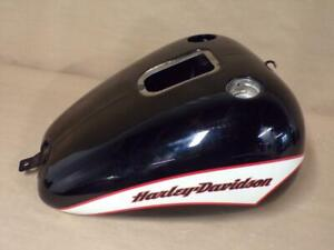 HARLEY Fuel / Gas Tank Softail 2001 To 2005 - Used 17045 TM