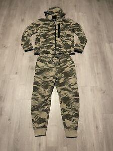 Nike Tech Camouflage 2 Piece Hoodie & Sweatpants Track Suit Men's Size Medium