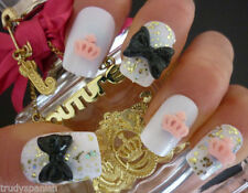 Accessoires et outils de nail art roses