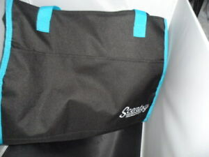 Scentsy supplies Independent Consultant Black Teal Insulated Zippered Tote Bag