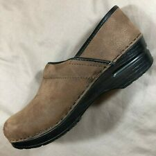 Sanita Brown Nubuck Leather Comfort Nursing Clogs Women's 38 / 7 - 7.5 Narrow