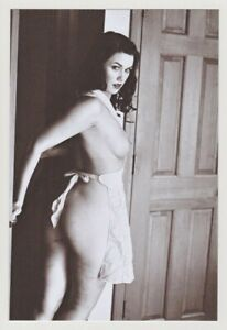 Postcard Pinup Risque Nude Stunning Girl Extremely Rare BW Photo Post Card 13622