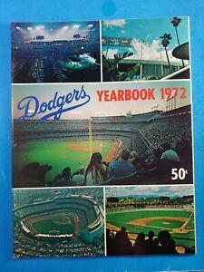 1972 LOS ANGELES DODGERS YEARBOOK WILLS ROBINSON GARVEY ALSTON NM