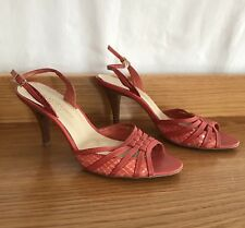 ZOE WITTNER Orange Red Textured Strappy Kitten Heels Sz 38 7 5