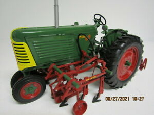 Oliver Row Crop 88 w/2 Row Cultivator by Spec Cast 1/16 Scale (1047-21)