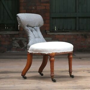 Antique 19th Century Occasional Chair With Birdseye Maple Legs