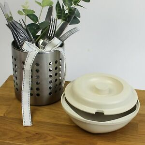 Retro Kitchen - Tupperware Ultra 21 Cookware. Casserole Dish with Notched Lid.