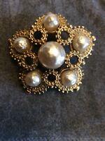 Stunning Vintage gold tone & large pearls  brooch ~ Costume jewellery