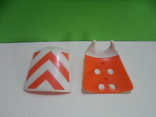PLAYMOBIL – 2 anciens plastrons de circulation / Breastplate