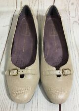 Clarks Artisan Caswell Genoa Natural Nude Leather Shoes Low Heels Size 7.5 M
