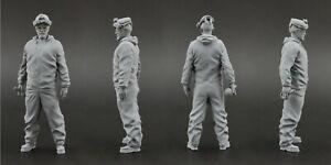 Walter White (Heisenberg) Figure for 1:18 Dodge Challenger AUTOart  Breaking Bad