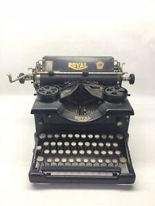 ANTIQUE 1921 ROYAL MODEL 10 TYPEWRITER X588675