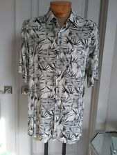 John Ashford gray bamboo print light short sleeve shirt sz L
