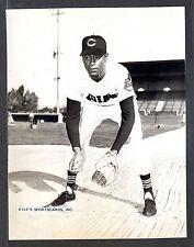 Billy Harrell  INDIANS  UNSIGNED  7-5/8 x 9-7/8  ORIGINAL B&W STAFF PHOTO #1
