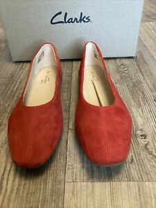 CLARKS CHIA VIOLET WOMENS RED SUEDE BALLET STYLE FLAT SHOES RRP £35