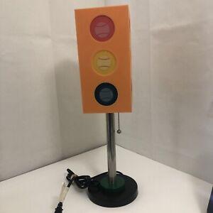 "Vintage Style Mod Traffic Light Lucite Desk/Table Lamp Plug-in Pull String 20"""