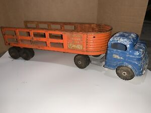 Vintage Structo Toy Truck. Mystery Age. Freeport, Illinois USA. C-3044