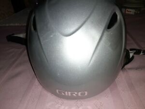 GIRO Ski Snowboard  Helmet Size 263 XS Gray Barely Worn Adjustable