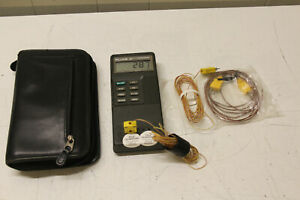 Fluke 52 K/J Thermometer with booklet probes and soft case