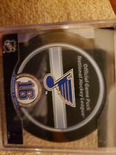 NHL St. Louis Blues  Brett Hull Retirement Official Game Puck