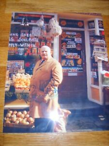 Ronnie Barker Open All Hours Genuine Signed Autograph - UACC / AFTAL.