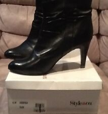 Ladies High Heel Leather Boot. size 9.5 Black